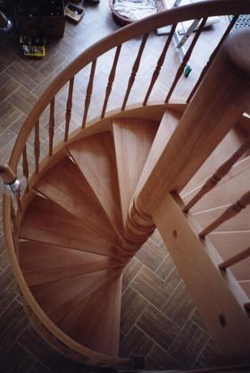 Točité schodiště. Vřetenové točité schody